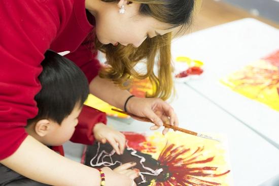 父母要知道:兒童畫畫需要您的陪伴!