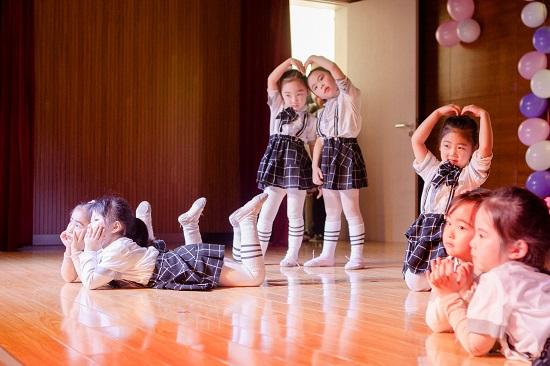少儿学舞蹈,没有坚持不住的孩子!