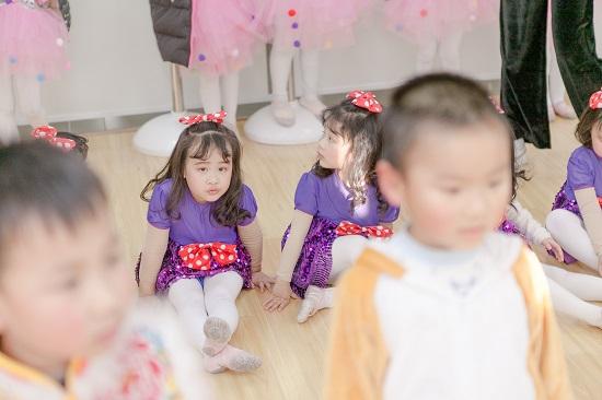 孩子喜欢舞蹈,为什么不愿意上舞蹈班?