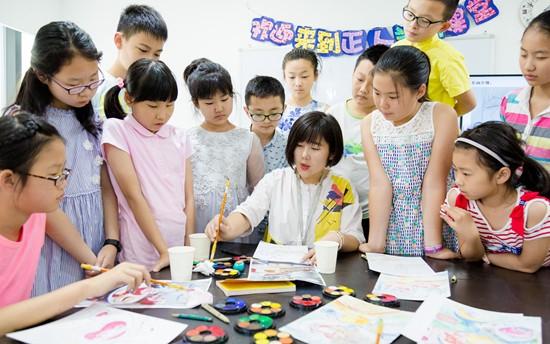 儿童学画画:循循善诱,引导启发就对了。