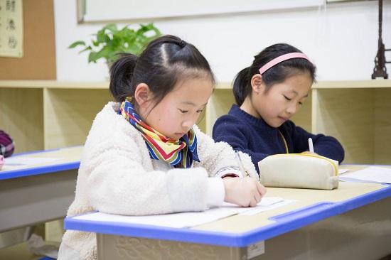 有关孩子硬笔培训的4个问题,应该这样解决!