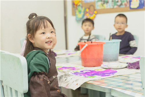 孩子学画画,不要怕脏