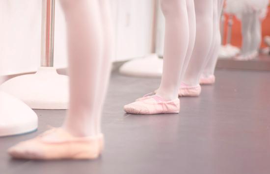 孩子学习舞蹈一定要练习压脚背吗?