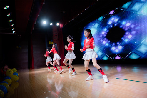 当初让孩子学街舞,只是培养兴趣,该让孩子一直学下去吗?