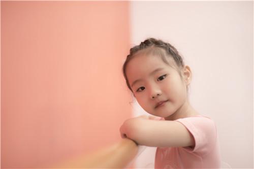 孩子学习一支完整的舞蹈需要多久!