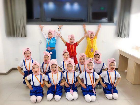 你家学舞蹈的娃今天练功了吗?