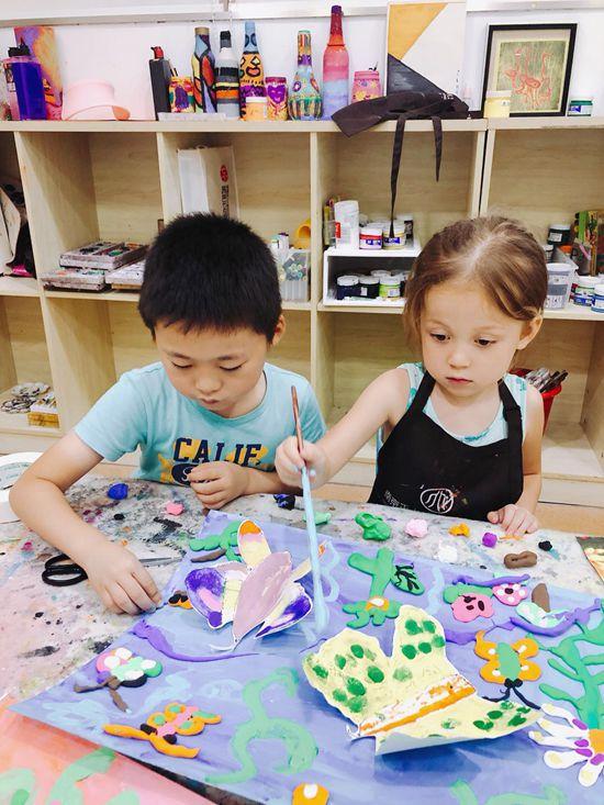 孩子画画的时候对颜色的正确认识是从什么时候开始?