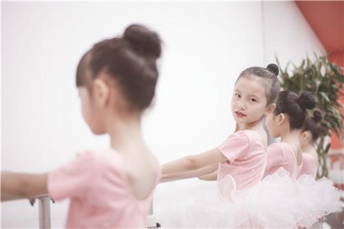 孩子几岁学舞蹈比较好?