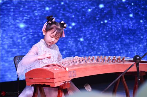 江苏省开学时间终于定下来了,可以考虑给孩子报艺术兴趣班哦!