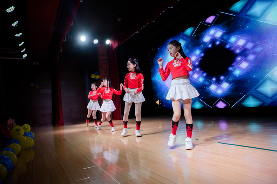 孩子学舞蹈不够开心,家长和老师需要找找原因!