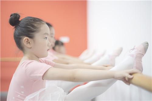孩子学舞蹈,童趣比技巧更重要!