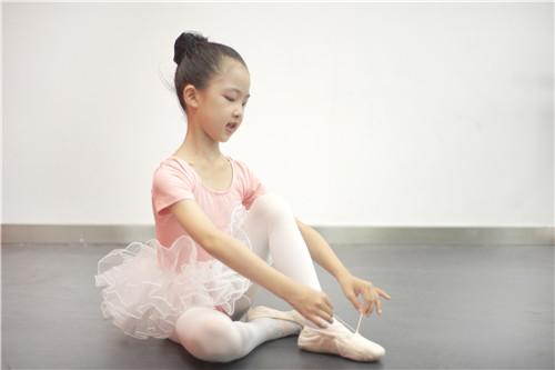 孩子学舞蹈,家长应该怎么配合?