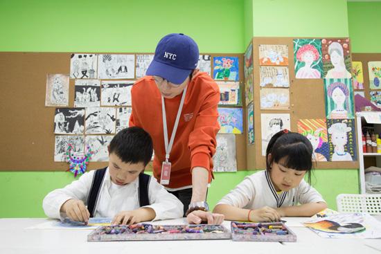给孩子挑选一位靠谱的美术老师,需要注意哪几点呢?